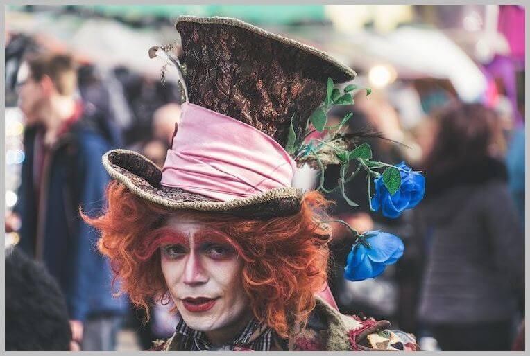 alice-in-wonderland-mad-hatter